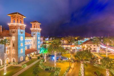 Las famosas Noches de Luces en San Agustín regresan el 14 de noviembre hasta el 31 de enero. Y, por primer vez, se ofrece recorridos en español con música navideña de países Latinos.