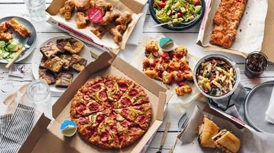Ya sea que estés pidiendo una comida para uno o para toda tu familia, cuando se trata de entregar un banquete satisfactorio para el día del partido, sólo hay una jugada para recordar: la oferta mix and match de $5.99 de Domino's.