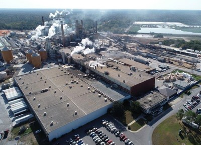 Georgia-Pacific's Brewton, Alabama, mill produces large rolls of paperboard products used to make corrugated boxes and paper plates. The facility employs more than 400, with an annual payroll and benefits of approximately than $36 million.