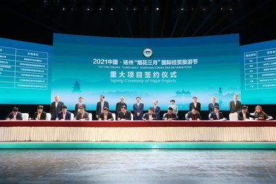 La ceremonia de firma de los principales proyectos tuvo lugar el 18 de abril. (PRNewsfoto/Xinhua Silk Road)